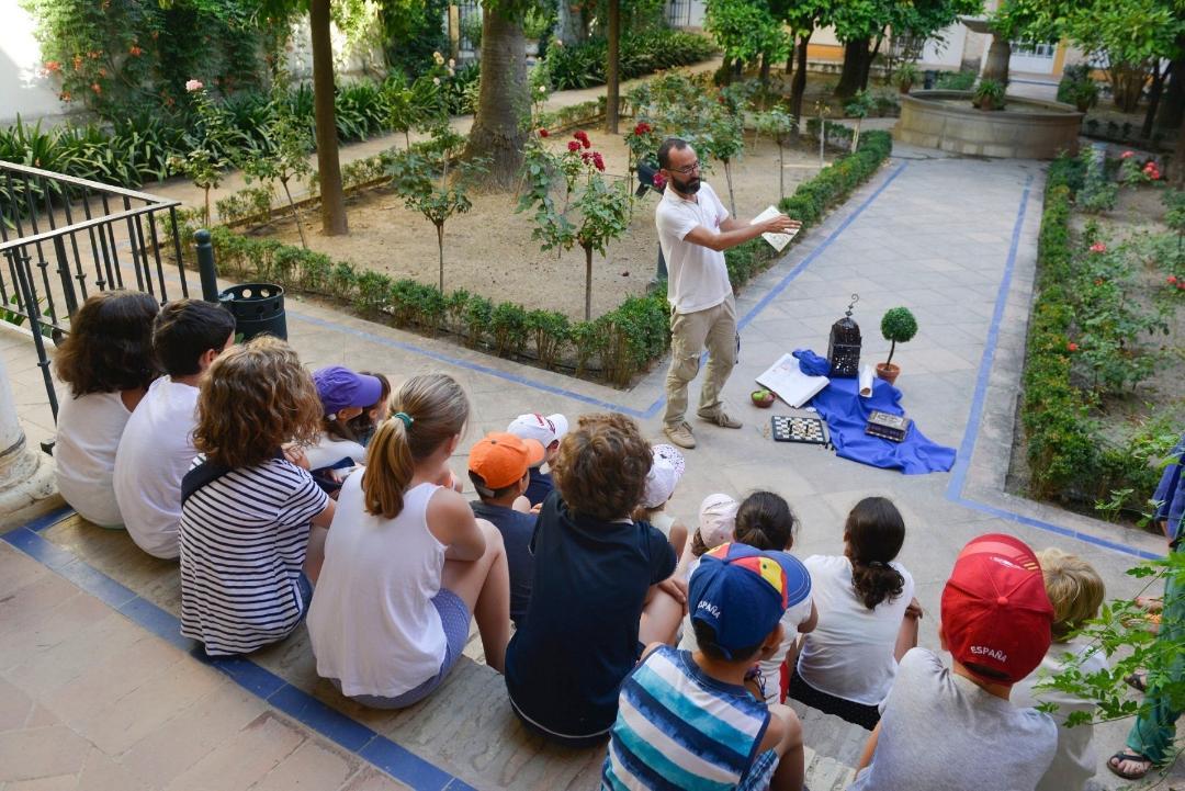 El Alcázar programa actividades didácticas gratuitas para niños dedicadas a la Primera Vuelta al Mundo
