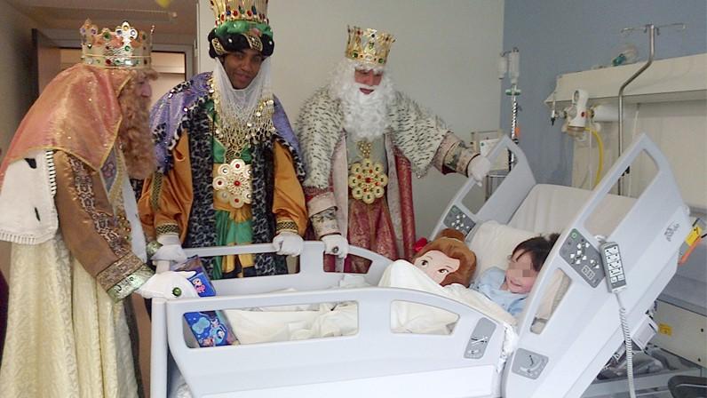 La Hermandad de la Macarena asistirá a los pacientes del Hospital vecino
