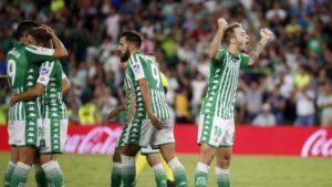El Real Betis remonta al Levante y consigue una importante victoria
