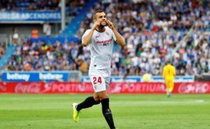El Sevilla vence al Alavés y recupera el liderato
