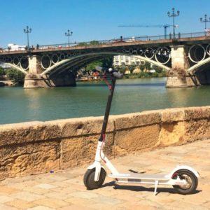Los patinetes eléctricos no podrán ni circular ni aparcar en las aceras