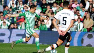 Delirio bético tras derrotar al Valencia en el descuento