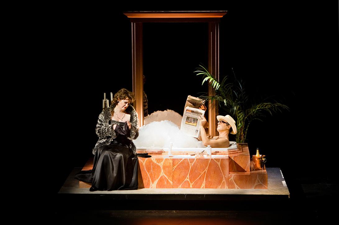 El Teatro de la Maestranza saca la ópera  Agrippina a la calle
