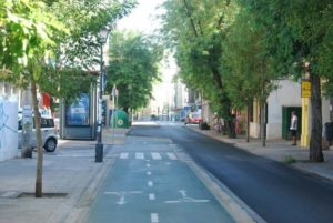 El nuevo proyecto de la Avenida de la Cruz Roja mantendrá un carril bici bidireccional