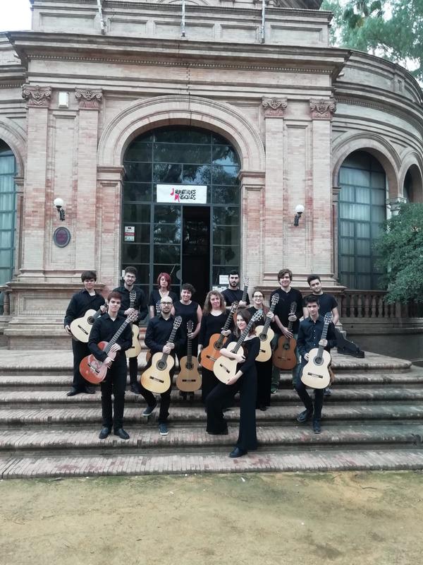 La Joven Orquesta de Guitarras, de las Juventudes Musicales de Sevilla, se presenta en el Maestranza