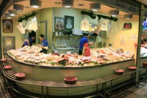 Mercasevilla garantiza el suministro a los mercados y al comercio minorista