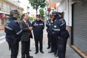 La Policía Local de Sevilla interviene 49.450 mascarillas quirúrgicas en el Polígono Carretera Amarilla