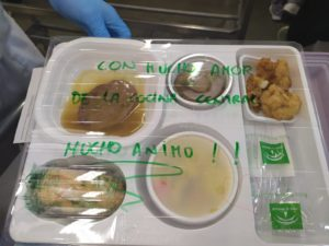 """La unidad de alimentación del Hospital Virgen del Rocío """"humaniza"""" los menús"""