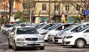 La reducida demanda hace que sólo el 25% de los taxis estén operativos en junio