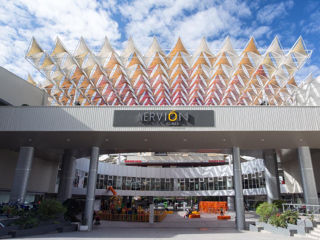 Los centros comerciales ultiman su puesta a punto para reabrir el 25 de mayo