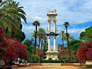 El dispositivo municipal amplía horarios de los parques de los barrios y habilita itinerarios peatonales en Casco Antiguo y Triana