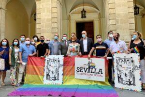 """Sevilla conmemora el día del Orgullo LGTBI """"distinto"""" pero sin perder su esencia"""