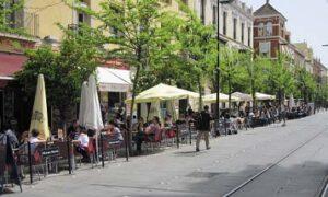 Los bares tendrán una hora más de terraza con independencia de la zona donde se ubiquen