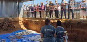 En la fosa de Pico Reja se localizan ya restos de 950 personas e inhumaciones que alcanzan hasta los años 40