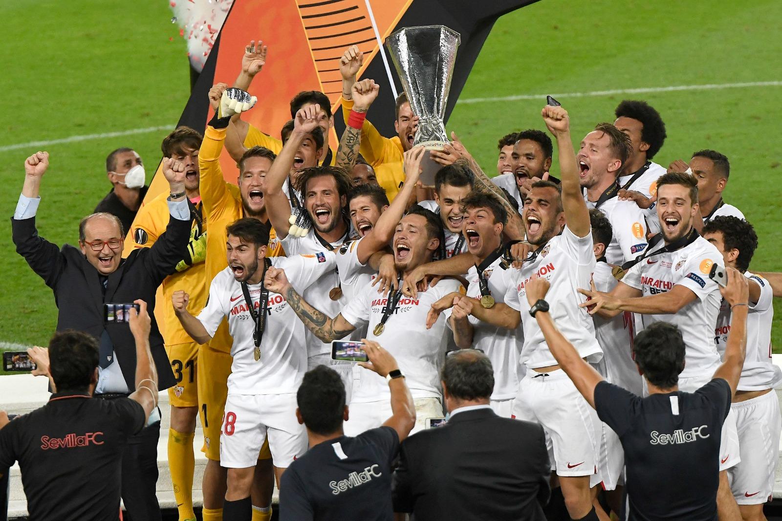 El Sevilla F.C. vuelve a casa con su sexta copa de la Europa League