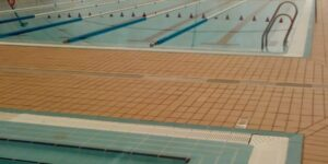 Cierra la piscina de Torreblanca tras activarse el protocolo para evitar contagios de COVID 19
