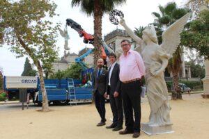 Adjudicada la última fase de la restauración de las esculturas de las Victorias Aladas de la Plaza de América