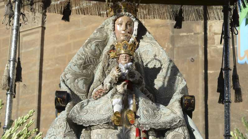 La Virgen de los Reyes lucirá el manto de la coronación, el 15 de agosto