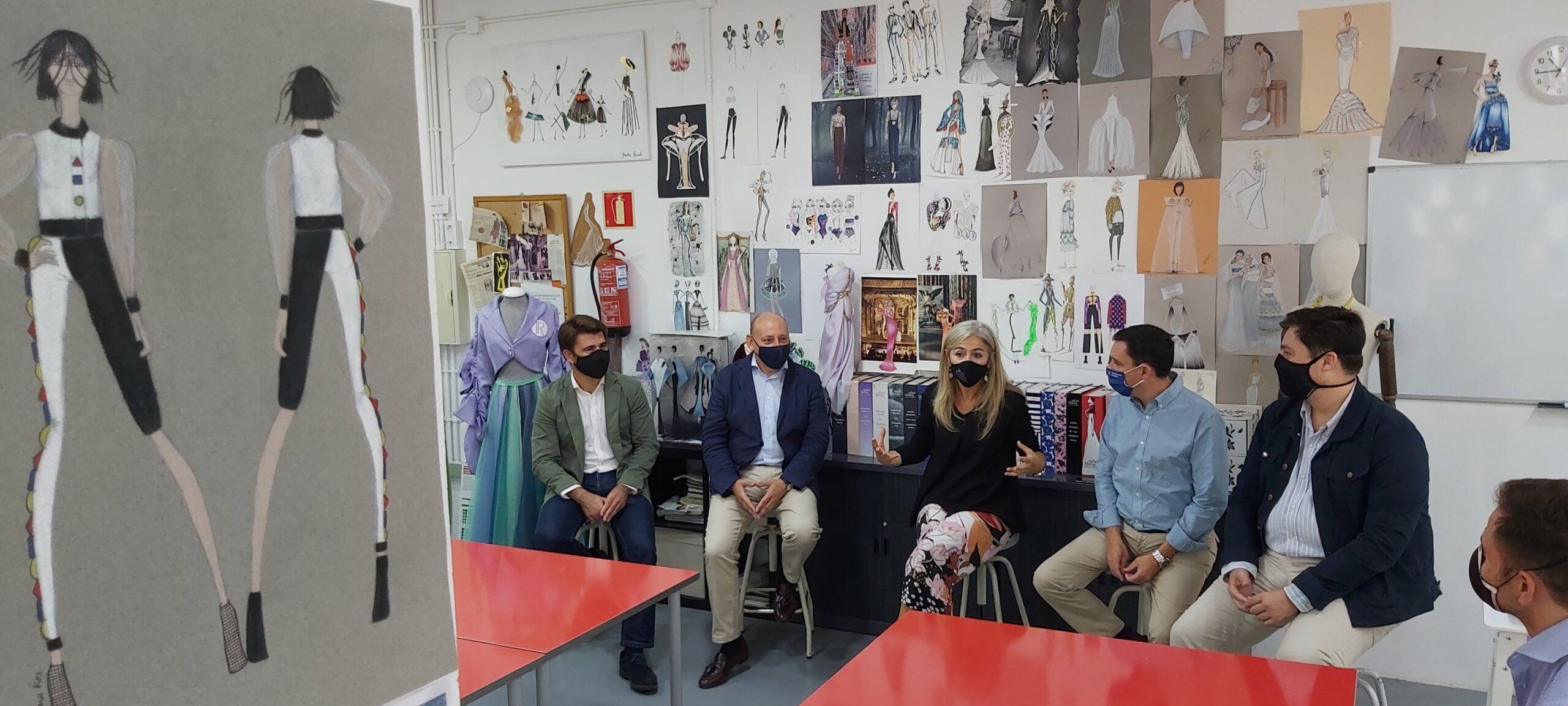 """El PP apuesta por una gran plataforma para unir el sector moda andaluza en su visita a """"Sevilla de Moda"""""""