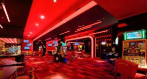 El Ayuntamiento impide la apertura de dos salones de juegos y casas de apuestas en los distritos Bellavista-La Palmera y Sur