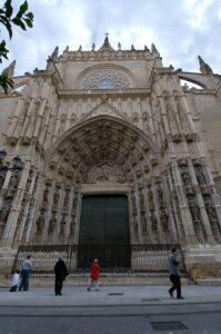 Patrimonio aprueba la restauración de los atrios de las puertas de los Palos y del Príncipe de la Catedral