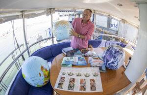 El velero ÍBERO III llega a Sevilla para contar la primera vuelta al mundo con un prisma pedagógico