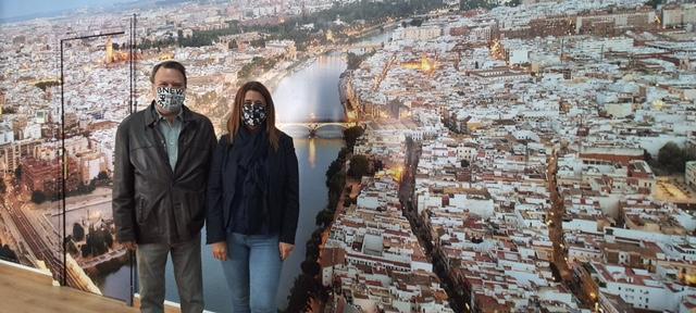 Monteseirín y Sonia Gaya estudian la bonificación del IBI a las empresas de la Zona Franca