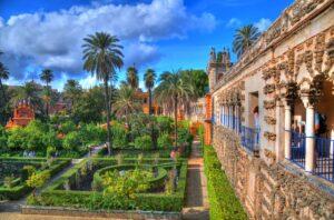 El Alcázar activa el protocolo anti COVID-19 al confirmarse tres positivos entre sus jardineros
