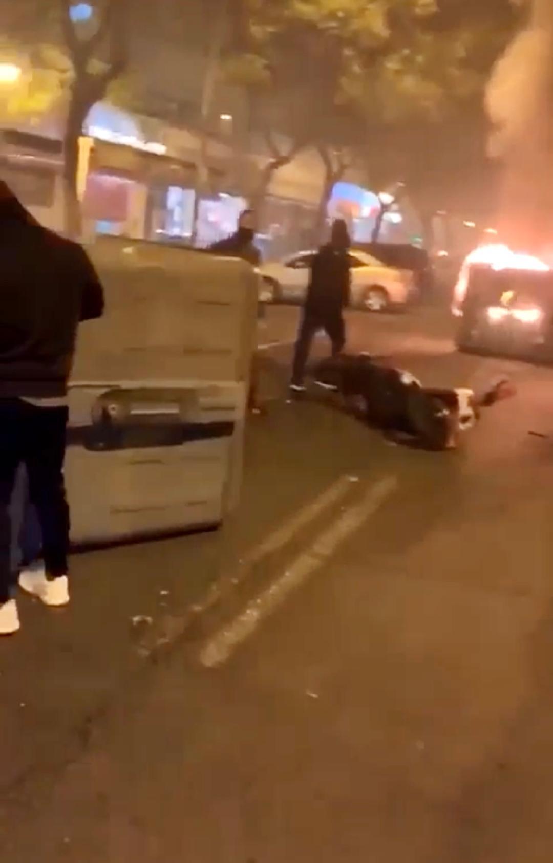 Espadas condena los disturbios de Pino Montano por el toque de queda y desliga la violencia del barrio