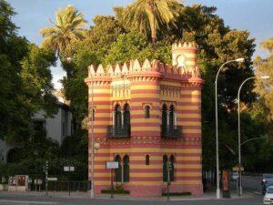 El Costurero de la Reina, y los quioscos de la Plaza del Museo y el Paseo Colón esquina Reyes Católicos, tendrán fines turísticos