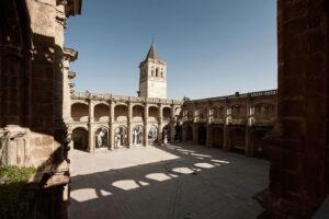 El Distrito Norte iluminará de color morado el Monasterio de San Jerónimo y la Hacienda de Miraflores por el 25-N