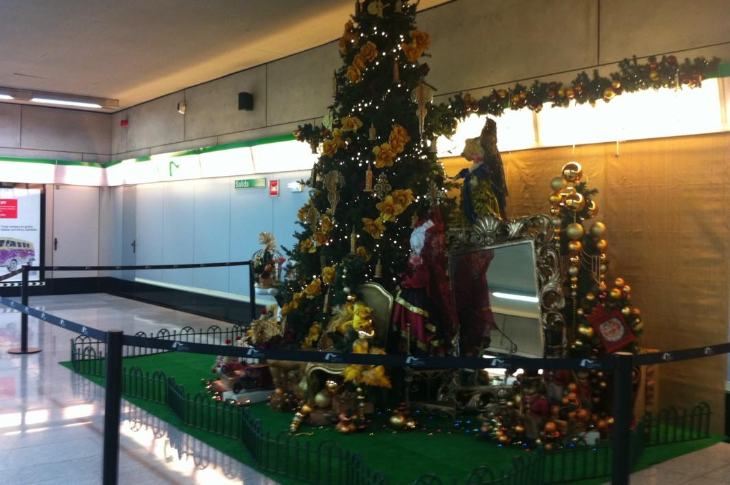 100 comercios se suman a la campaña del Metro que bonifica con 10 € el consumo local