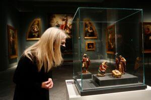 El 'Nacimiento' de La Roldana se muestra al público por primera vez en el Bellas Artes