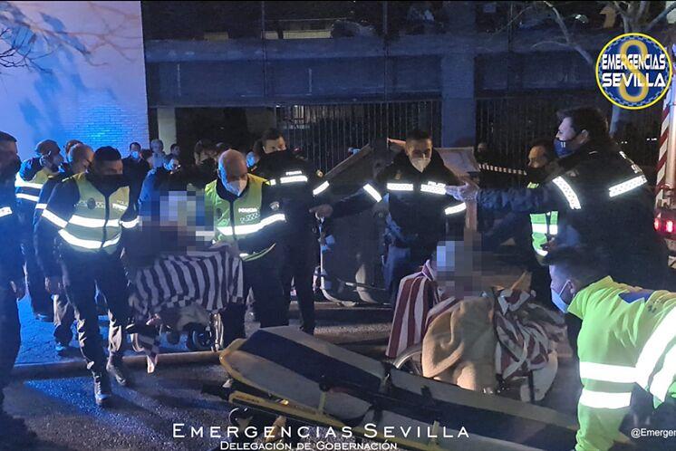 Fallece una mujer de 89 años en el incendio de una residencia de mayores en la calle Baltasar Gracián