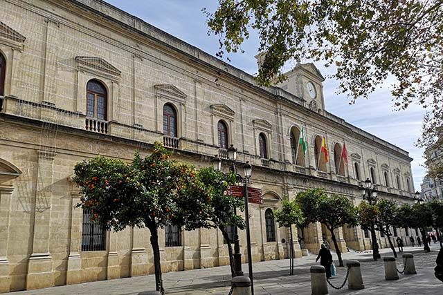 El Ayuntamiento convoca 18 plazas de Técnicos de Administración General y 16 de administrativos