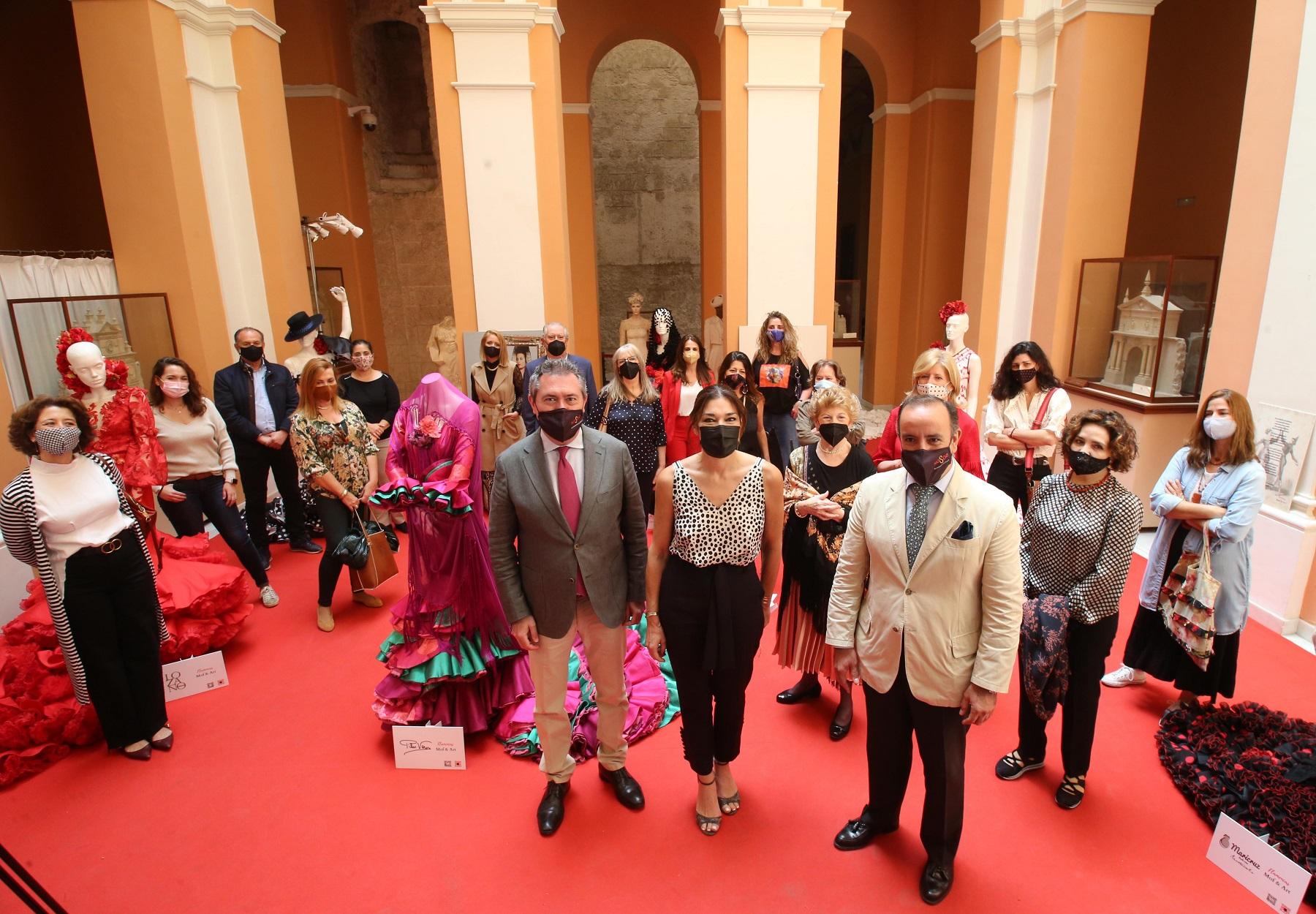 El Ayuntamiento y la agencia Doble Erre organizan un desfile virtual de moda flamenca con la participación de 24 diseñadores