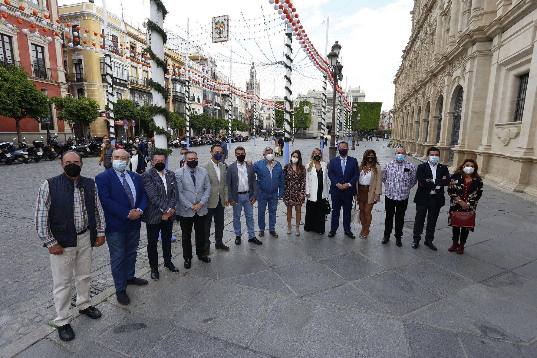La Banda Sinfónica Municipal de Sevilla ofrece el 'Concierto de Feria' con Las Soles, Los del Guadalquivir,  Somos del Sur y Brumas como invitados