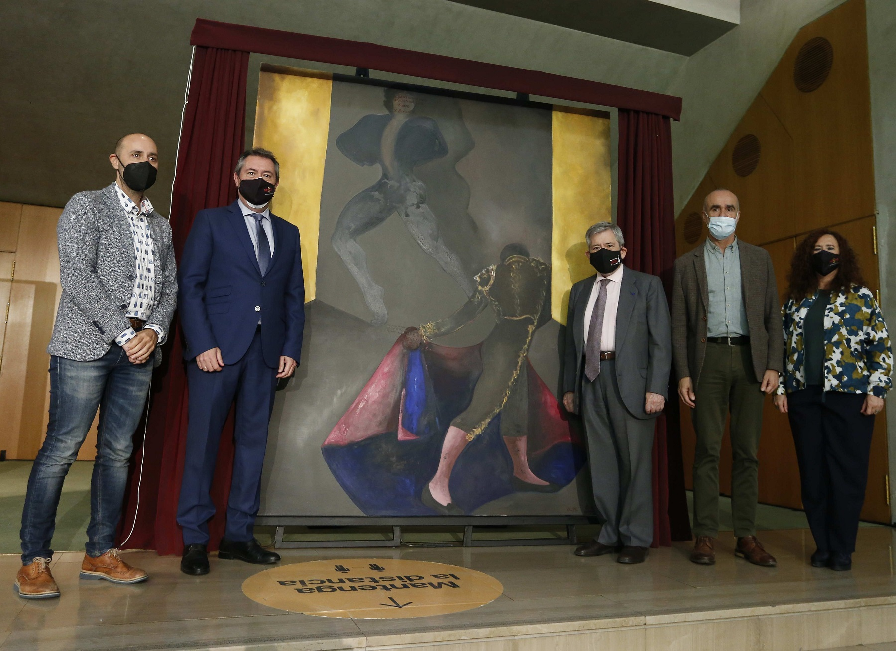 El Ayuntamiento cede el cuadro 'La música callada del toreo', de Sofía Gandarias, y donado por su familia, al Teatro de la Maestranza