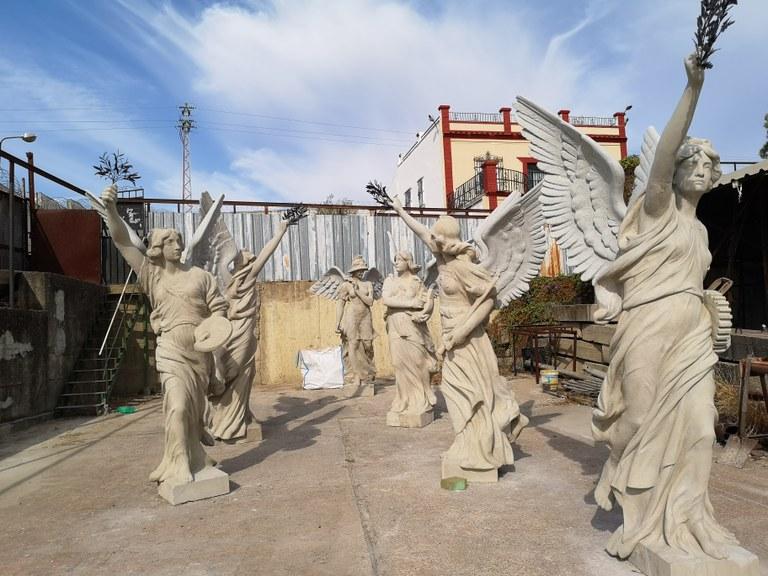 En este momento estás viendo Las Victorias Aladas del Parque de María Luisa recuperan su aspecto original de hace más de un siglo