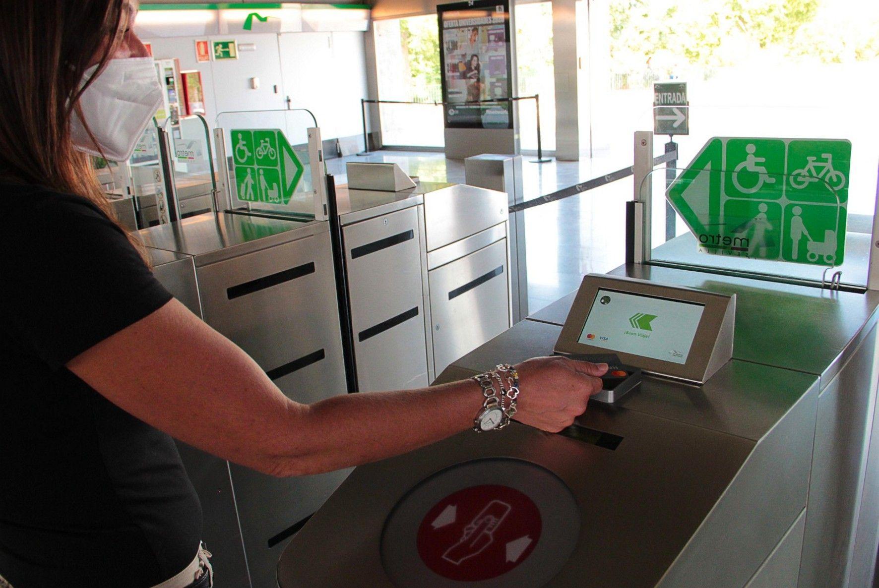 En este momento estás viendo El Metro de Sevilla se convierte en el primero en el que se viaja antes y se paga después