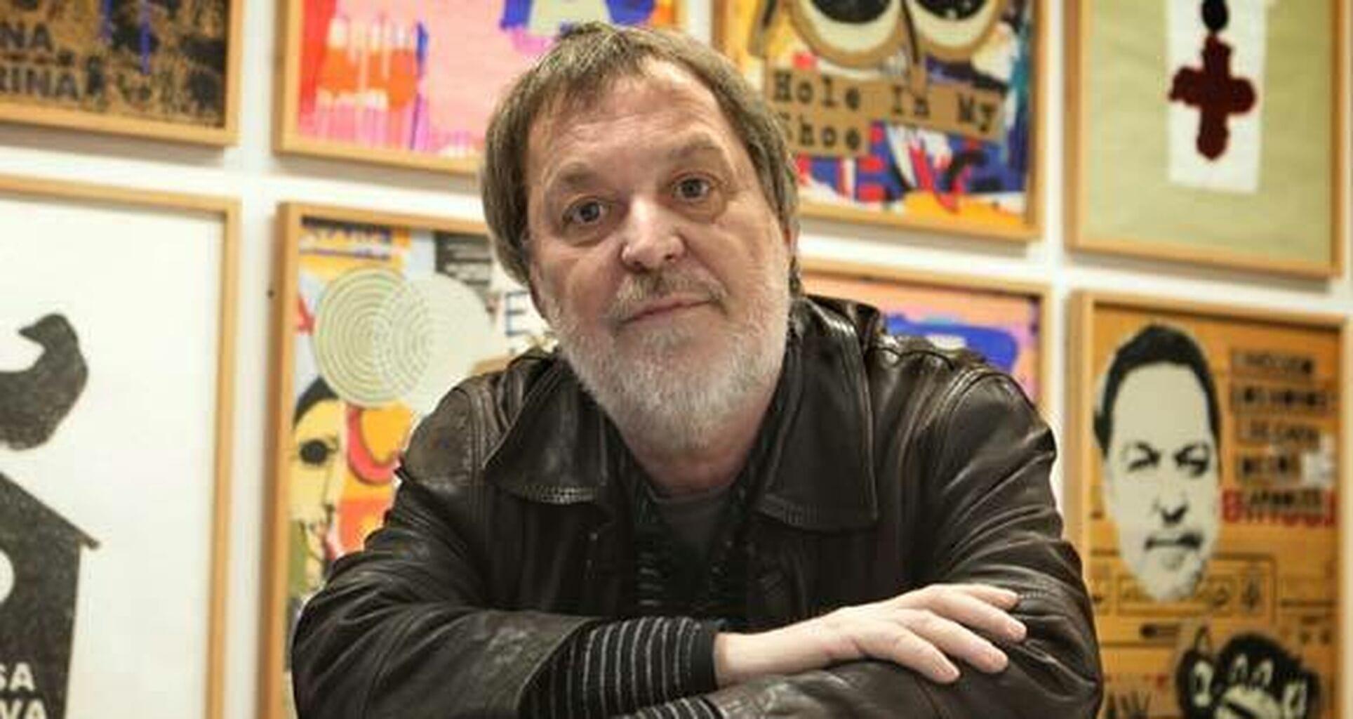 En este momento estás viendo Manolo Cuervo, cartelista de la Semana Santa 2022