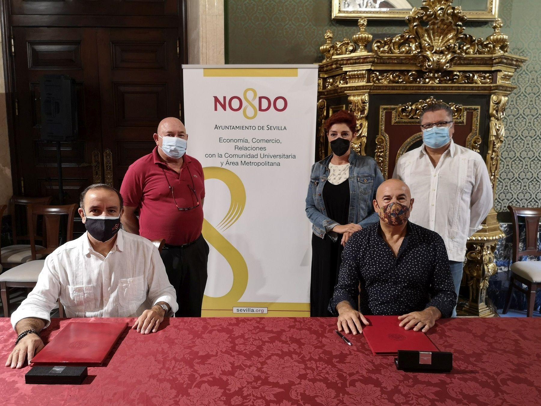 En este momento estás viendo Ayuntamiento y Asociación Arte Sacro firman un convenio para impulsar la labor de los artesanos